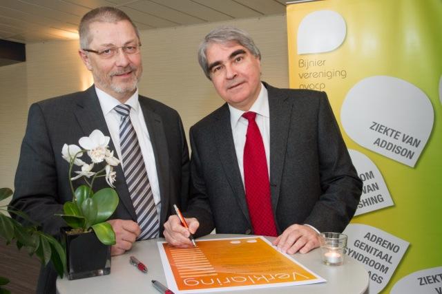 Ad Hermus en Johan Beun tekenen de verklaring